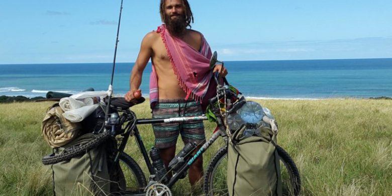 I am Going to Cycle up Africa, With No Money and Rely on The Kindness of People (Part 1)